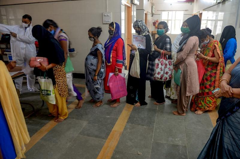 India Records 61,871 New Covid-19 Infections, 1,033 More Fatalities