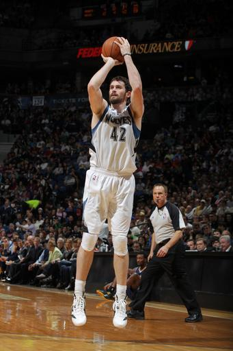 MINNEAPOLIS, MN - MARCH 25: Kevin Love #42 of the Minnesota Timberwolves shoots against the Denver Nuggets on March 25, 2012 at Target Center in Minneapolis, Minnesota. (Photo by David Sherman/NBAE via Getty Images)