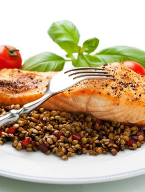 Lentils and fish are two foods that can help fend off allergy symptoms.