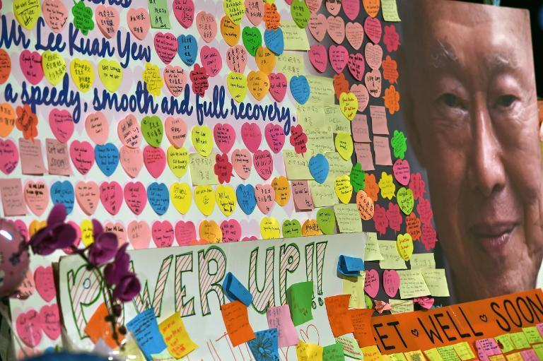 Tributes for Lee Kuan Yew are posted outside the Singapore General Hospital in Singapore on March 22, 2015