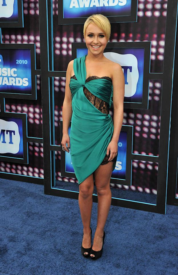 "Another woman who debuted a catastrophic coif this week was former ""Heroes"" hottie Hayden Panettiere, whose barely-there bob and lingerie-inspired Emilio Pucci dress both tanked on the red carpet at the 9th Annual CMT Music Awards. Frederick Breedon/<a href=""http://www.wireimage.com"" target=""new"">WireImage.com</a> - June 9, 2010"