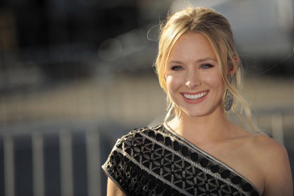 Kristen Bell arrives at the Do Something Awards on Sunday, Aug. 14, 2011 in Los Angeles. (AP Photos/Chris Pizzello)