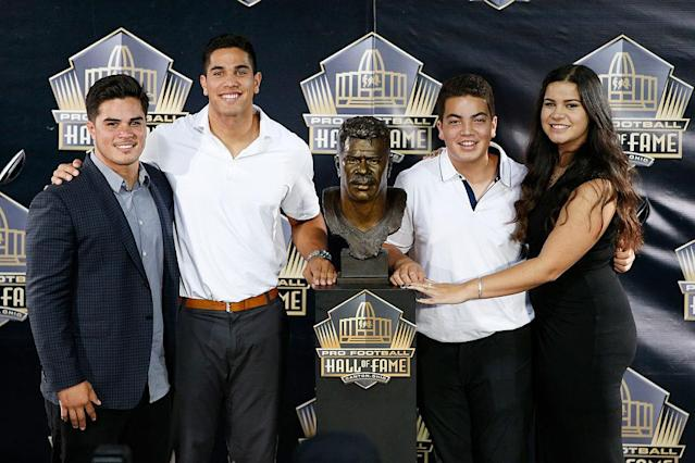 Junior Seau's children honored him at his Hall of Fame induction. (Getty)