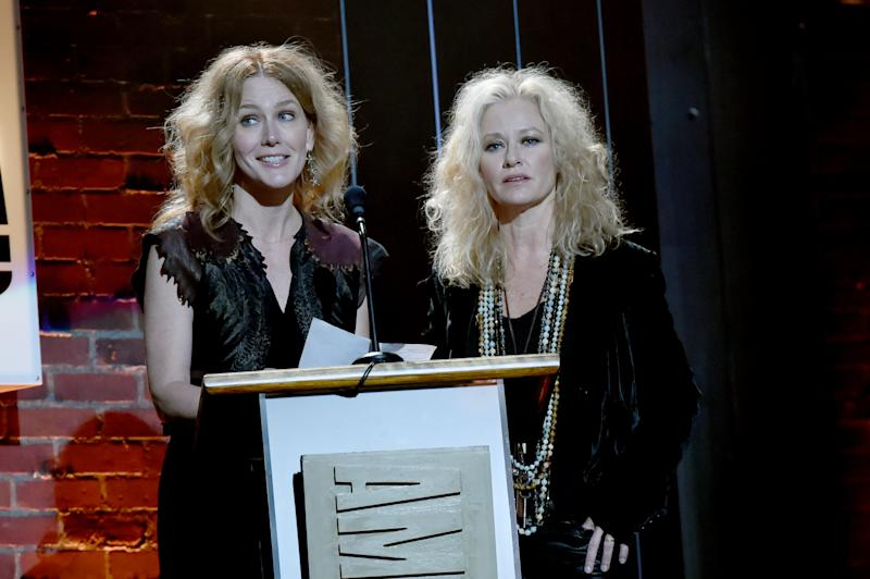 Allison Moorer, left, and sister Shelby Lynne, right, at the 2017 Americana Music Association Honors & Awards in 2017. (Photo: Rick Diamond/Getty Images for Americana Music)