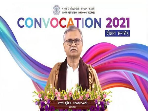 Visuals of Annual Convocation 2021 organized at IIT Roorkee