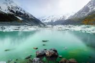 <p>It doesn't get more serene than Hooker Lake in Aoraki/Mount Cook National Park on South Island.</p>