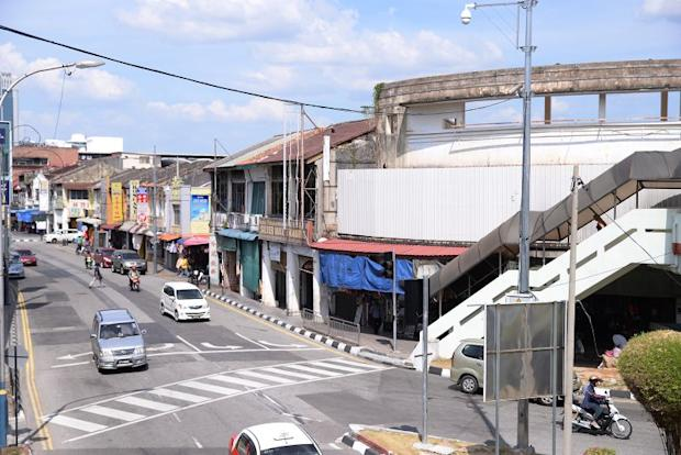 A stretch of 55 shophouess along Penang Road, Kimberley Street and Jalan Dr Lim Chwee Leong saw sudden rental hikes this year when the tenants renew their contracts with the owner.