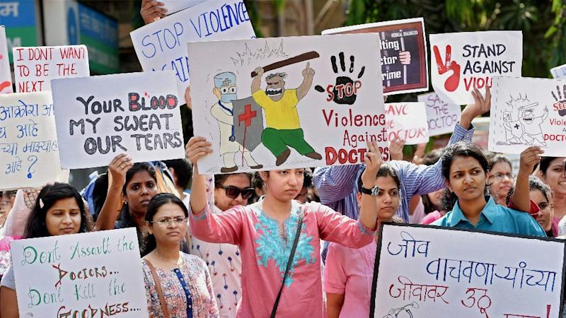 40000 doctors strike to support counterparts in Mumbai
