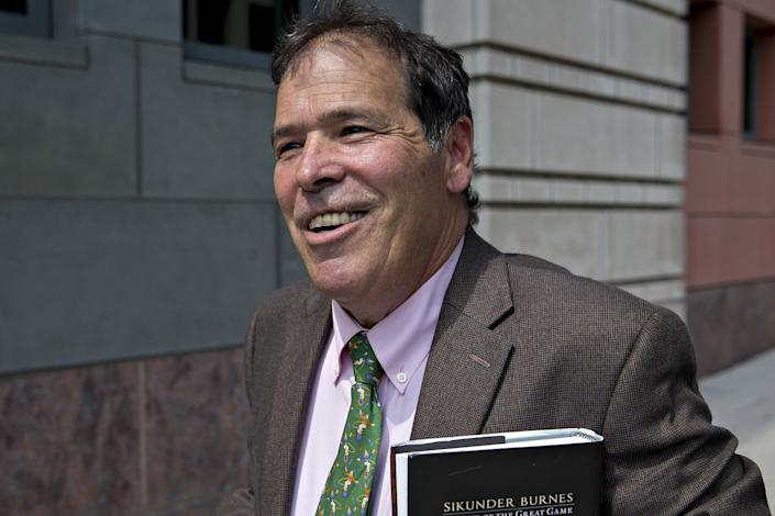 Randy Credico, a New York radio host and associate of Roger Stone, walks outside federal court in Washington, D.C., U.S., on Friday, Sept. 7, 2018. (Photo: Andrew Harrer/Bloomberg via Getty Images)