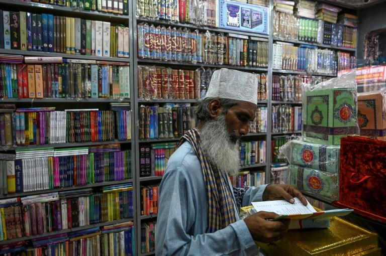 Pakistan province pushes crackdown on publishers