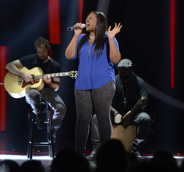 "Candice Glover performs ""Straight Up"" on the Wednesday, April 17 episode of ""American Idol."""