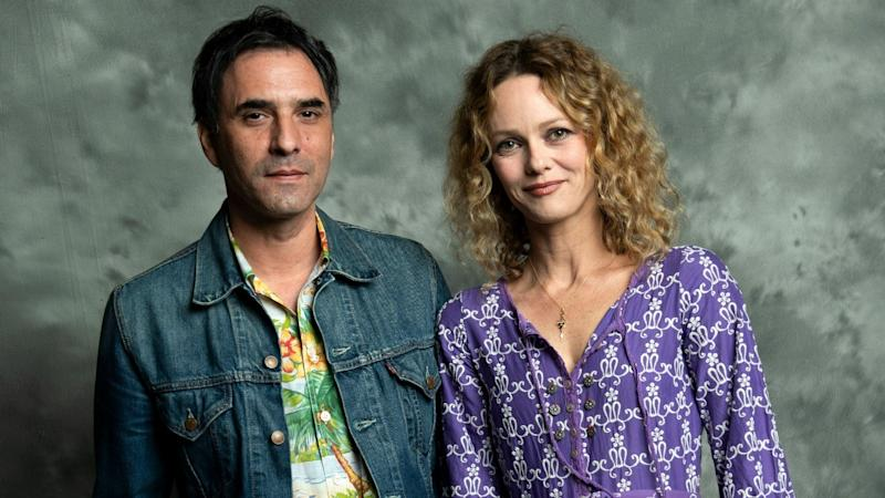 Vanessa Paradis 'ties the knot' with director Samuel Benchetrit