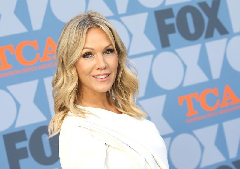 US actress Jennie Garth attends the FOX Summer TCA 2019 All-Star Party at Fox Studios on August 7, 2019 in Los Angeles. (Photo by Michael Tran / AFP) (Photo credit should read MICHAEL TRAN/AFP/Getty Images)