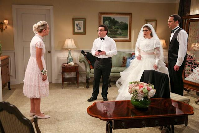 Kaley Cuoco, Johnny Galecki, Mayim Bialik, and Jim Parsons star in the May 10 episode of <i>The Big Bang Theory</i>. (Photo: Michael Yarish/CBS via Getty Images)