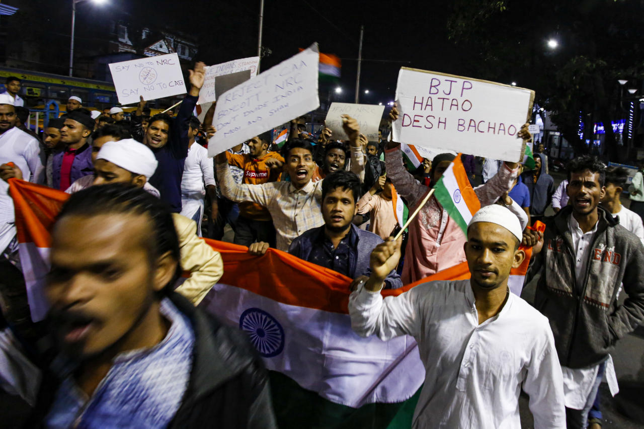 India suspends internet and phone services to quell protests