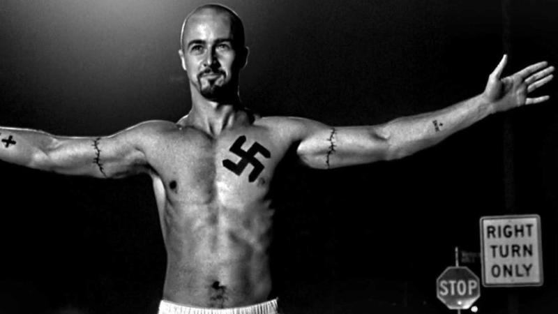 Edward Norton as a violent, racist skinhead in 'American History X'. (Credit: New Line Cinema)