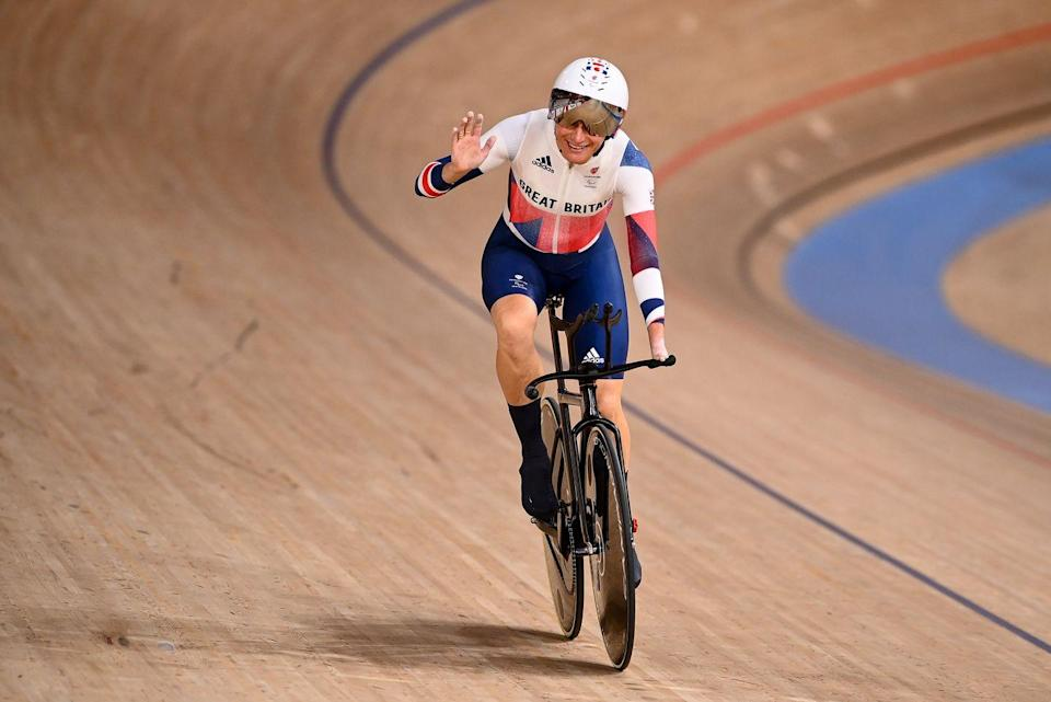 <p>Cyclist Dame Sarah Storey cycled to victory in the women's individual C5 3000m final, scooping up Great Britain's first gold medal and the fifteenth of her career.</p><p>'Racing in a pandemic is hard. When you want to celebrate with people, you realise you can't. Of course, you can celebrate with the team but there is a bigger team behind us and they're really missed,' Storey said, speaking after the event. </p>