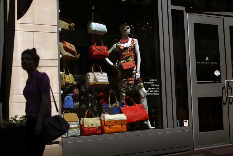 US consumers keep spending despite higher taxes