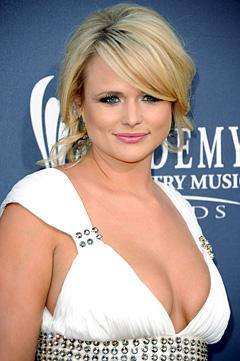 Miranda Lambert Mourns Loss of Beloved Dog Dixie