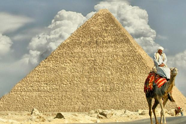 Dos and Don'ts When Visiting The Pyramids