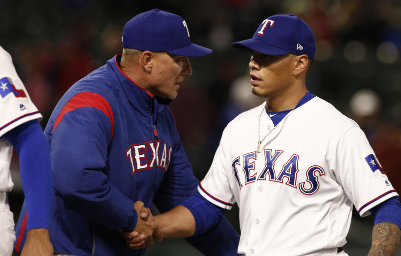 Beltre exits Rangers' game early with leg injury