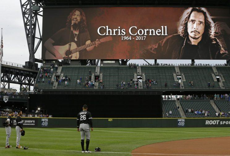 The Mariners held a moment of silence for Soundgarden frontman Chris Cornell before Thursday's game. (AP Photo)