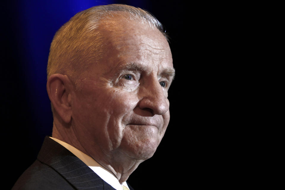 Ross Perot listens to a reporter's question during a news conference before accepting the Command and General Staff College Foundation's 2010 Distinguished Leadership Award Tuesday, April 20, 2010, in Kansas City, Mo. (AP Photo/Ed Zurga)