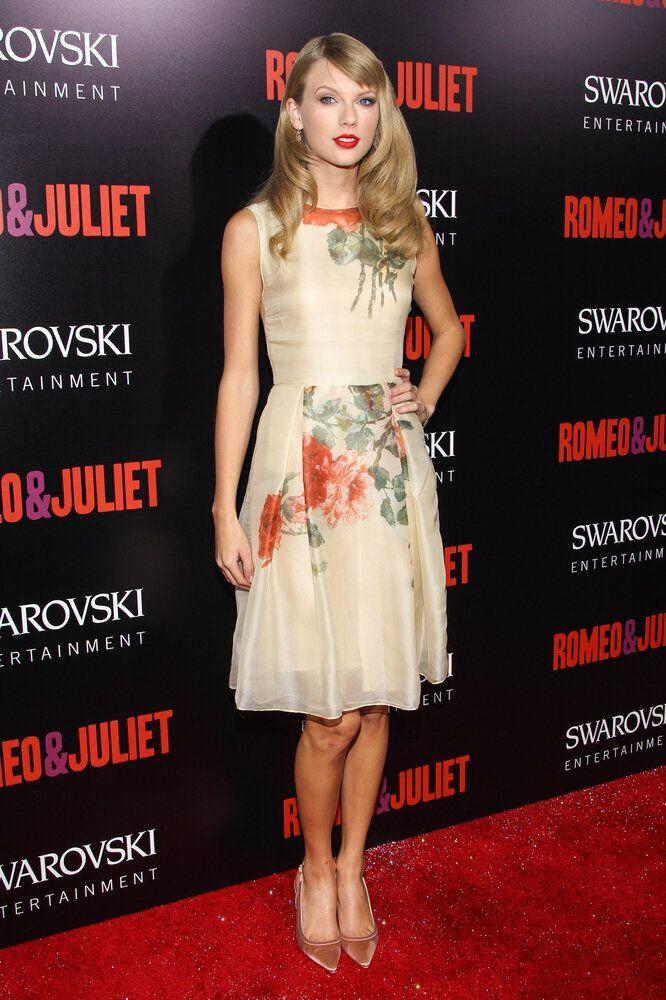 "Recording artist Taylor Swift arrives at the premiere of ""Romeo and Juliet"" at the ArcLight on Tuesday, Sept. 24, 2013 in Los Angeles. (Photo by Paul A. Hebert/Invision/AP)"