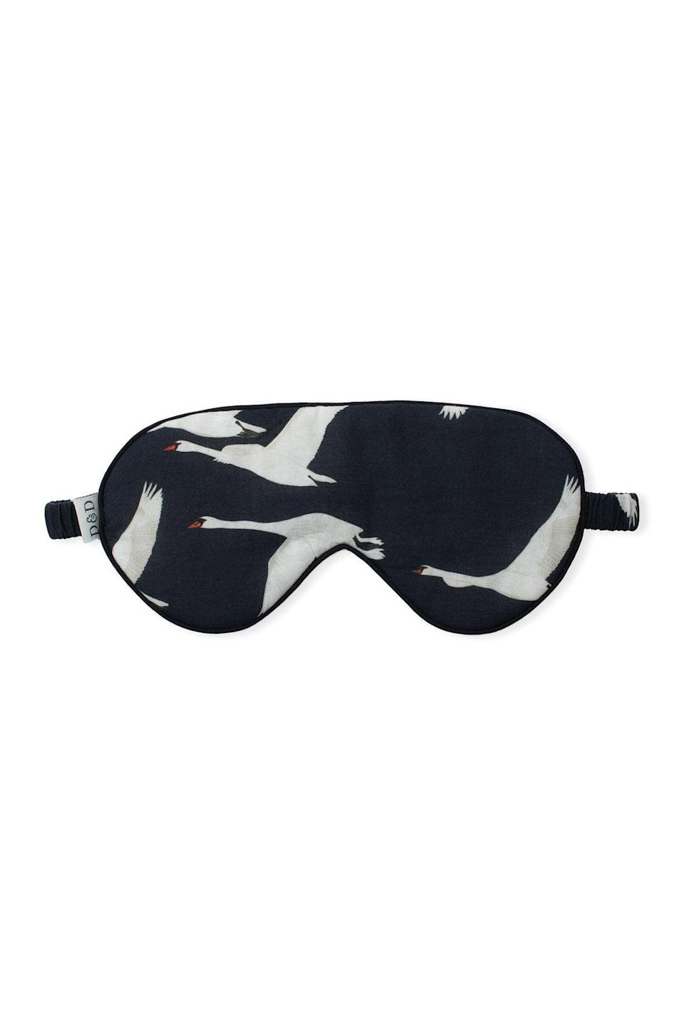 "<h3><a href=""https://desmondanddempsey.com/collections/womens-eye-masks/products/cotton-luxe-eye-mask-cygnus-swan-print-black-women"" rel=""nofollow noopener"" target=""_blank"" data-ylk=""slk:Desmond & Dempsey The Cygnus Swan Eye Mask"" class=""link rapid-noclick-resp"">Desmond & Dempsey The Cygnus Swan Eye Mask<br></a></h3><br>Who wouldn't appreciate the gift of a good — and chic! — night's sleep?<br><br><strong>Desmond & Dempsey</strong> The Cygnus Swan Print Eye Mask, $, available at <a href=""https://go.skimresources.com/?id=30283X879131&url=https%3A%2F%2Fdesmondanddempsey.com%2Fcollections%2Fwomens-eye-masks%2Fproducts%2Fcotton-luxe-eye-mask-cygnus-swan-print-black-women"" rel=""nofollow noopener"" target=""_blank"" data-ylk=""slk:Desmond & Dempsey"" class=""link rapid-noclick-resp"">Desmond & Dempsey</a>"