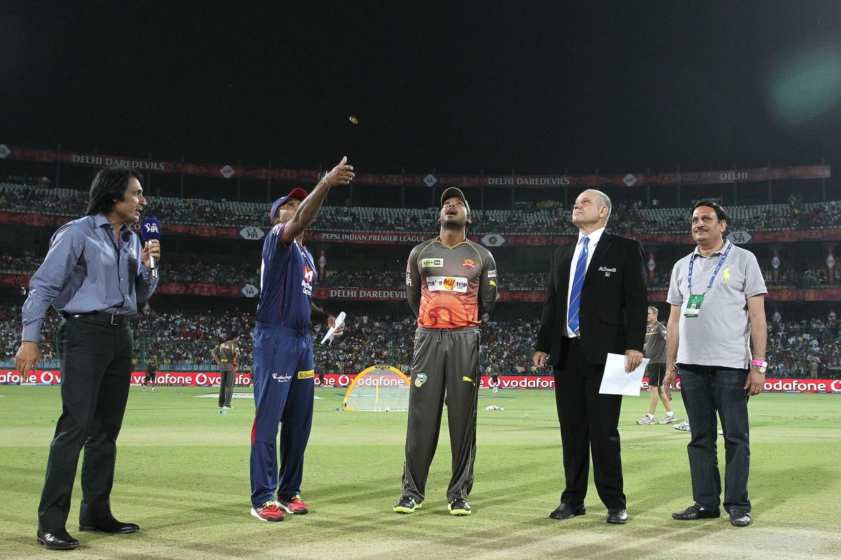 Delhi Daredevils captain Mahela Jayawardene tosses the coin as Sunrisers Hyderabad captain Kumar Sangakkara calls during match 14 of the Pepsi Indian Premier League between The Delhi Daredevils and the Sunrisers Hyderabad held at the Feroz Shah Kotla Stadium, Delhi on the 12th April 2013..Photo by Shaun Roy-IPL-SPORTZPICS ..Use of this image is subject to the terms and conditions as outlined by the BCCI. These terms can be found by following this link:..https://ec.yimg.com/ec?url=http%3a%2f%2fwww.sportzpics.co.za%2fimage%2fI0000SoRagM2cIEc&t=1498276534&sig=gk394pmPvN9Pm7rKoHImcg--~C