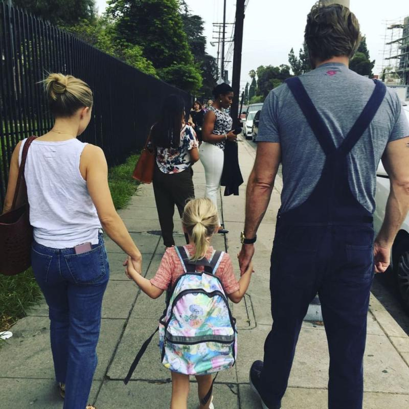 Kristen Bell and Dax Shepard with daughter Lincoln