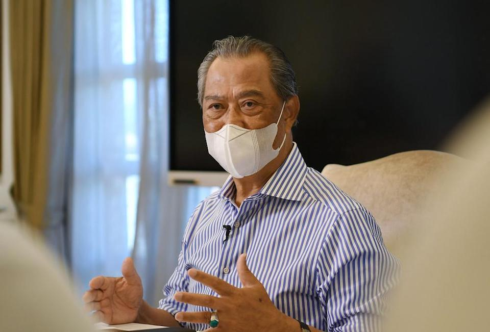 In his first interview since stepping down as prime minister, the Pagoh MP said that in a meeting with Prime Minister Datuk Seri Ismail Sabri Yaakob last week, the latter had agreed to let Tan Sri  Muhyiddin Yassin be the decision maker in all matters pertaining to the NRP, except when it involves money.  — Bernama pic