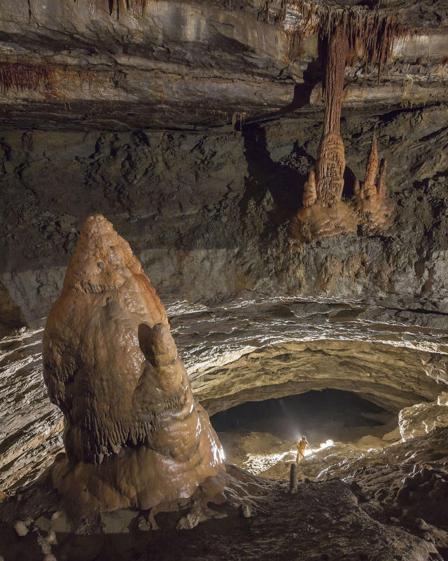<p>Pillar of Fire – Tumbling Rock Cave Preserve, Alabama, USA. (Photo: Ryan Maurer / NSS / Caters News) </p>