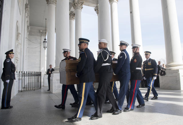 <p>A Military Honor Guard carries the casket of Reverend Billy Graham as it arrives at the US Capitol in Washington, Feb. 28, 2018, prior to a lying in honor ceremony in the Capitol Rotunda. (Photo: Saul Loeb/Pool via AP) </p>