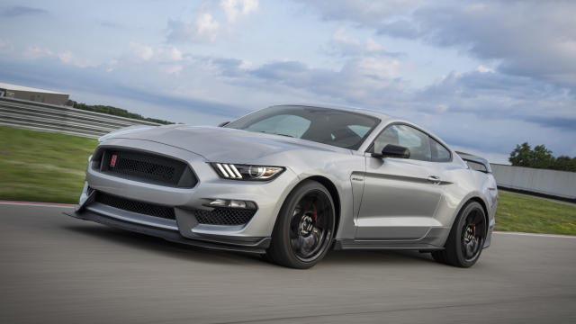 <p><strong>Silver: 13.7 percent more likely to have a deal</strong></p> <p>It's good to see one of the most popular car colors is one you're more likely to see a discount on. There are countless shades of silver offered these days, especially from German manufacturers. Ford just happened to introduce silver shade to the GT350R this year, shown above. In this study, iSeeCars says that silver is the third most popular color that folks own, but the amount of discounted cars is still sizable, leading us to wonder if some silver cars may see discounts because they're found in such high quantities. No matter what dealer lot you walk onto, chances are high that you'll find a silver car sitting among the scrum.</p>