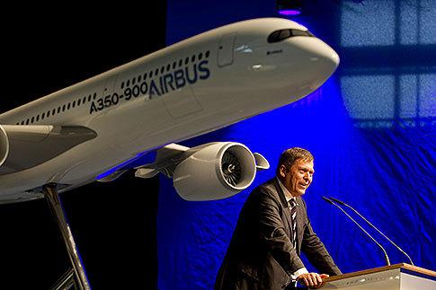 Airbus, Boeing battle over long-haul jets
