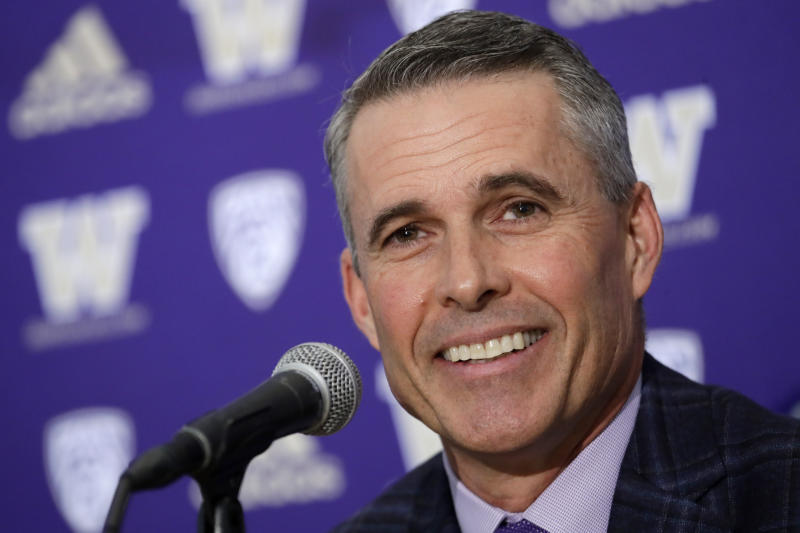 Chris Petersen's final game as the head coach at Washington will come against the school that put him on the map: Boise State. (AP Photo/Elaine Thompson)