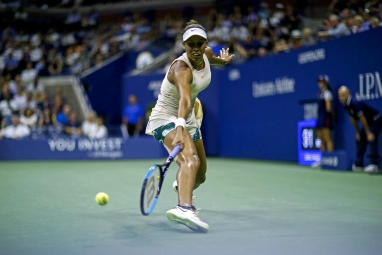 Madison Keys returns to the US Open semi-finals with a victory over Spain's Carla Suarez Navarro