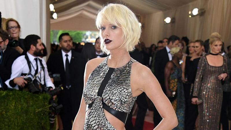 "The ""Reputation"" singer was rocking her Met Gala makeup from 2016."