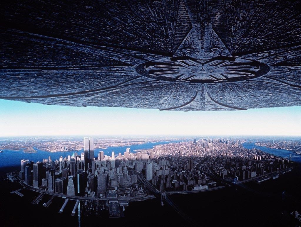 "<a href=""http://movies.yahoo.com/movie/1800022581/info"">Independence Day</a>  That mammoth mothership hovering over the earth in geostationary orbit would be doing more than just freaking out the world's population. Because of its close proximity and mass -- 1/4th that of the moon, according to the film -- the flying saucer's gravitational pull would cause massive tidal waves, volcanic eruptions and earthquakes. The aliens wouldn't even have to roll out their anti-matter ray to blow up the White House -- it would already be underwater."