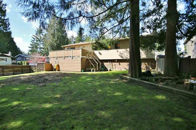 <p><span>11644 64B Avenue, Delta, B.C.</span><br>The property is on a massive 7,133 corner lot, with a fully-fenced backyard.<br>(Photo: Zoocasa) </p>