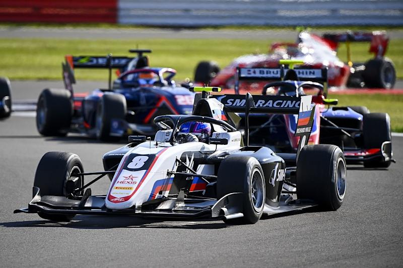 Smolyar resists Beckmann for Silverstone F3 win