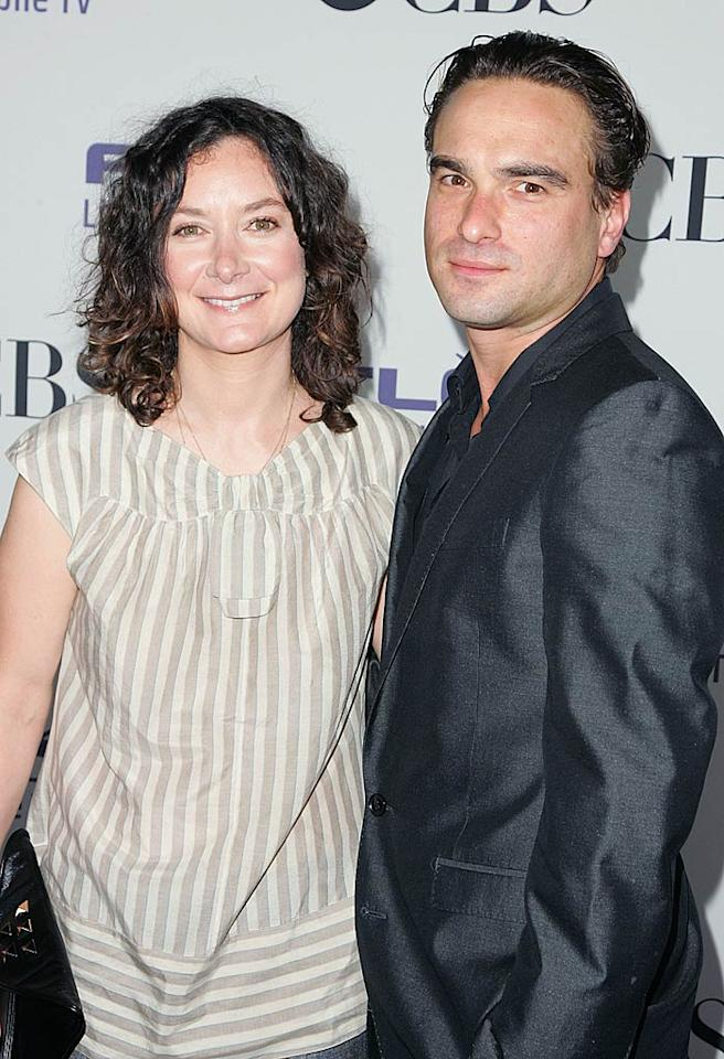 """Sara Gilbert posed with her former """"Roseanne"""" costar and good friend Johnny Galecki. The actress will permanently be joining """"The Big Bang Theory"""" cast as Leonard's on-again/off-again love interest Leslie. Jason LaVeris/<a href=""""http://filmmagic.com/"""" target=""""new"""">FilmMagic.com</a> - September 17, 2008"""