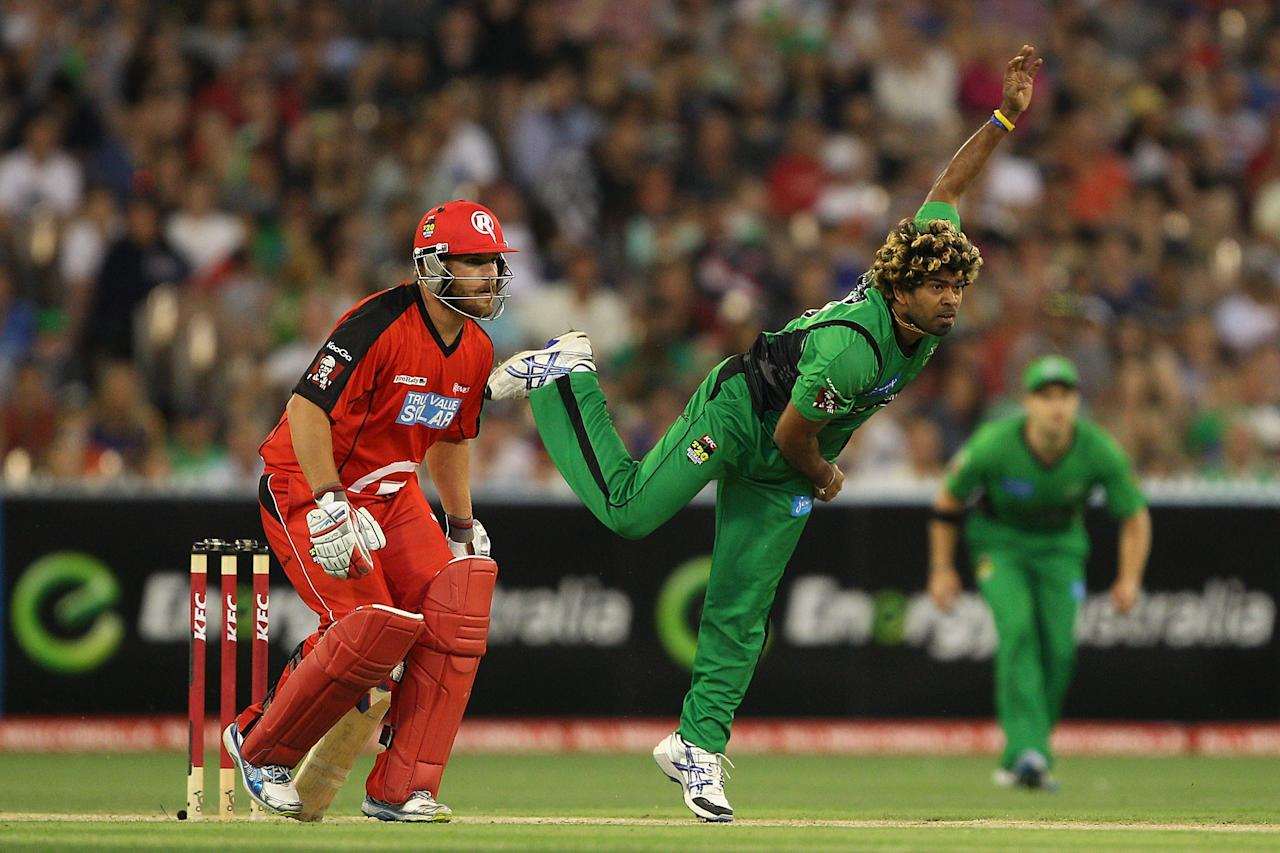 MELBOURNE, AUSTRALIA - JANUARY 06:  Lasith Malinga of the Stars bowls during the Big Bash League match between the Melbourne Stars and the Melbourne Renegades at Melbourne Cricket Ground on January 6, 2013 in Melbourne, Australia.  (Photo by Robert Prezioso/Getty Images)
