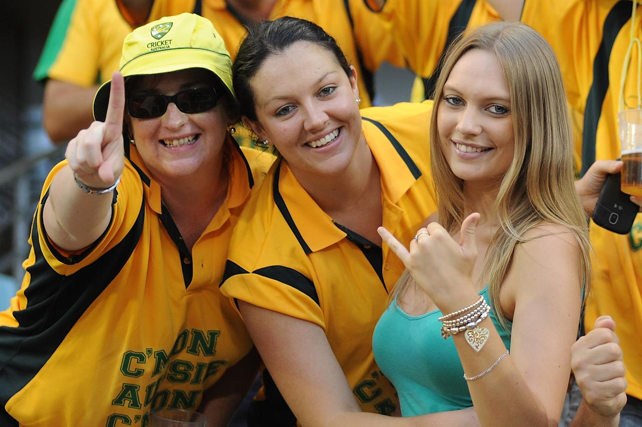 BRISBANE, AUSTRALIA - MARCH 04:  Fans show their support during the first One Day International final match between Australia and Sri Lanka at The Gabba on March 4, 2012 in Brisbane, Australia.  (Photo by Matt Roberts/Getty Images)