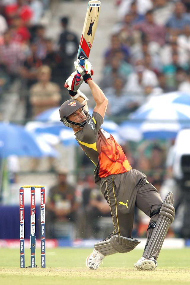 Dale Steyn of Sunrisers Hyderabad hits over the top for six during match 36 of the Pepsi Indian Premier League (IPL) 2013 between The Rajasthan Royals and the Sunrisers Hyderabad held at the Sawai Mansingh Stadium in Jaipur on the 27th April 2013. (BCCI)