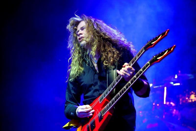 Megadeth's Dave Mustaine says he has throat cancer
