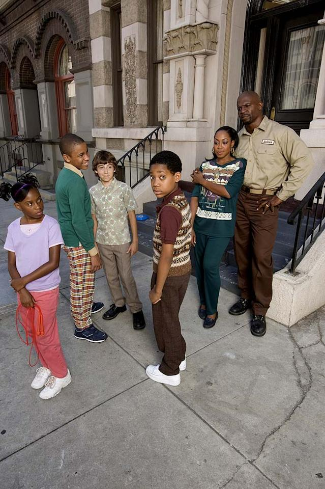 "<a href=""/everybody-hates-chris/show/35225"">Everybody Hates Chris</a>, airing on The CW"