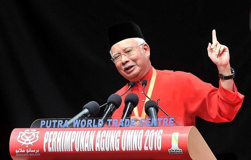 Prime Minister Datuk Seri Najib Razak giving his closing speech at the 2016 Umno general assembly at the Putra World Trade Centre, December 3, 2016. ― Bernama pic