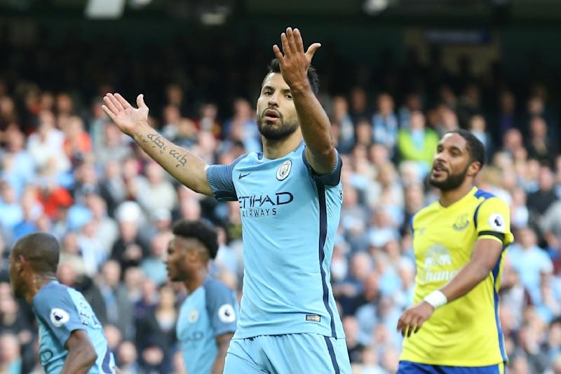 Manchester City's Argentinian striker Sergio Aguero reacts after missing a penalty during his English Premier League football match against Everton at the Etihad Stadium in Manchester, north west England, on October 15, 2016 (AFP Photo/Scott Heppell)